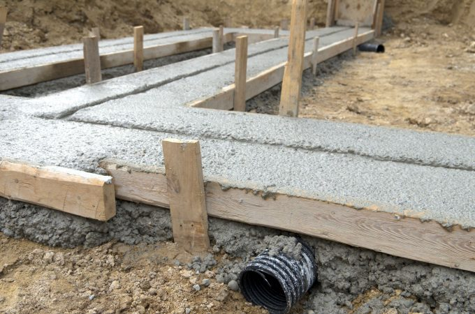 Why Call For Paving Stone Installers Instead Of DIY?